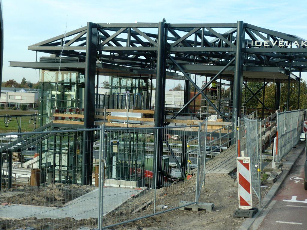 station Hoevelaken in steigers